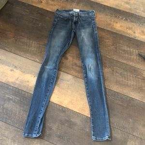 Current Elliott RARE Distress Skinny Jeans 23